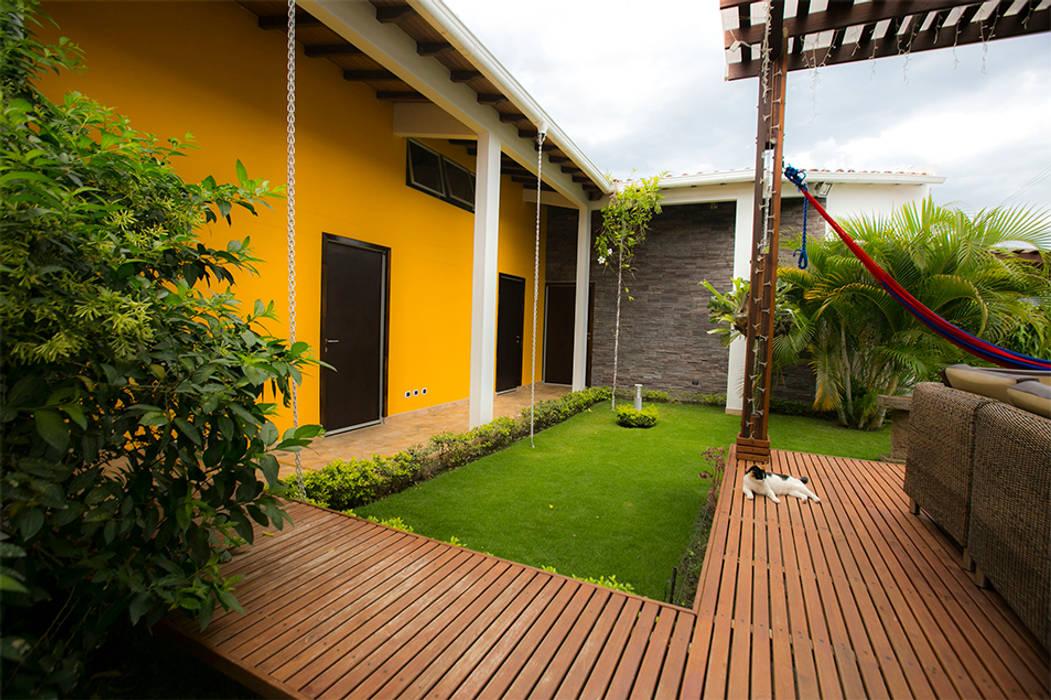 Casa de la Música Pasillos, halls y escaleras tropicales de Arquitectura Positiva Tropical