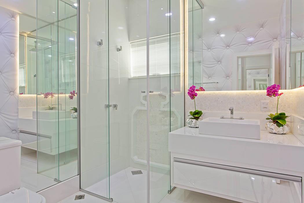Baños de estilo  por Arquiteto Aquiles Nícolas Kílaris,