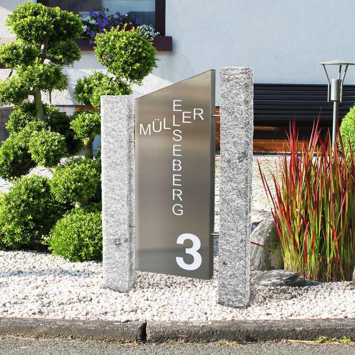 led stele s ule storto beleuchtet mit individuellem schriftzug hausnummer ausgefallener. Black Bedroom Furniture Sets. Home Design Ideas