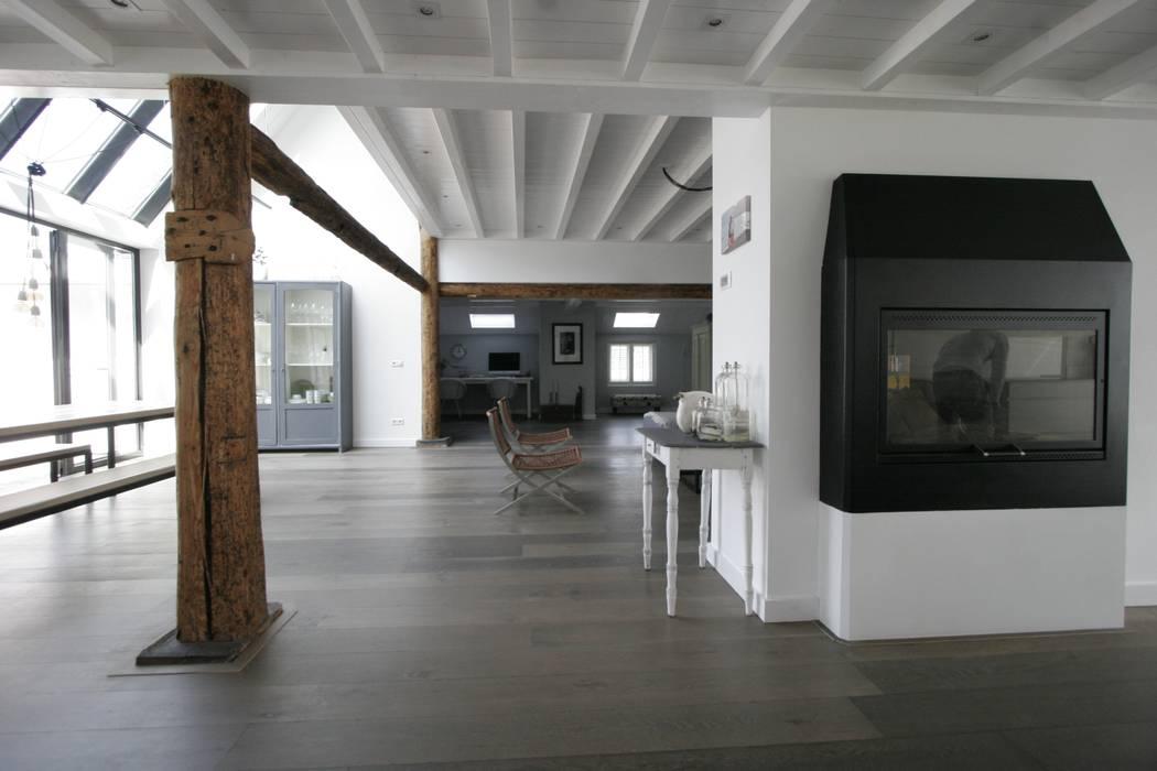 Woonboerderij / Stolpenboerderij Landelijke woonkamers van Van der Schoot Architecten bv BNA Landelijk Hout Hout