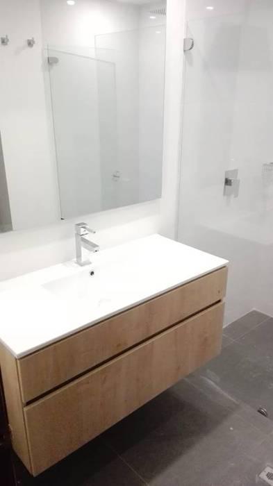Moderne Badezimmer von estudio unouno Modern