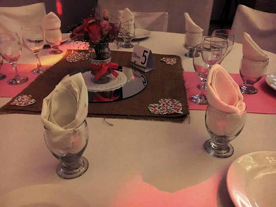 Dining room by Araceli Fernandez Ibarguren,