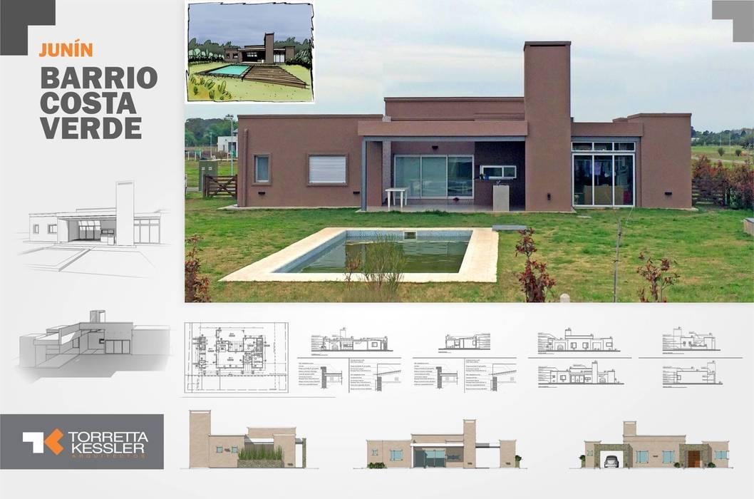 Casa estilo country: Casas de estilo  por TORRETTA KESSLER Arquitectos