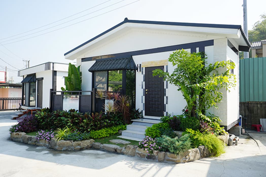 homify Asian style house Concrete White