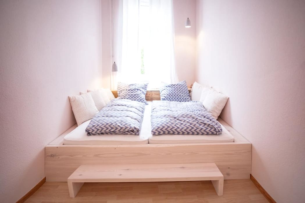 Scandinavian style bedroom by woodboom Scandinavian