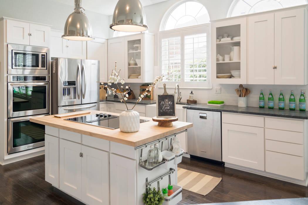 Cocinas de estilo  por Urbanology Designs,