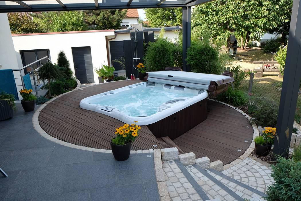 Whirpool Bodin Pflanzliche Raumgestaltung GmbH Moderne Pools