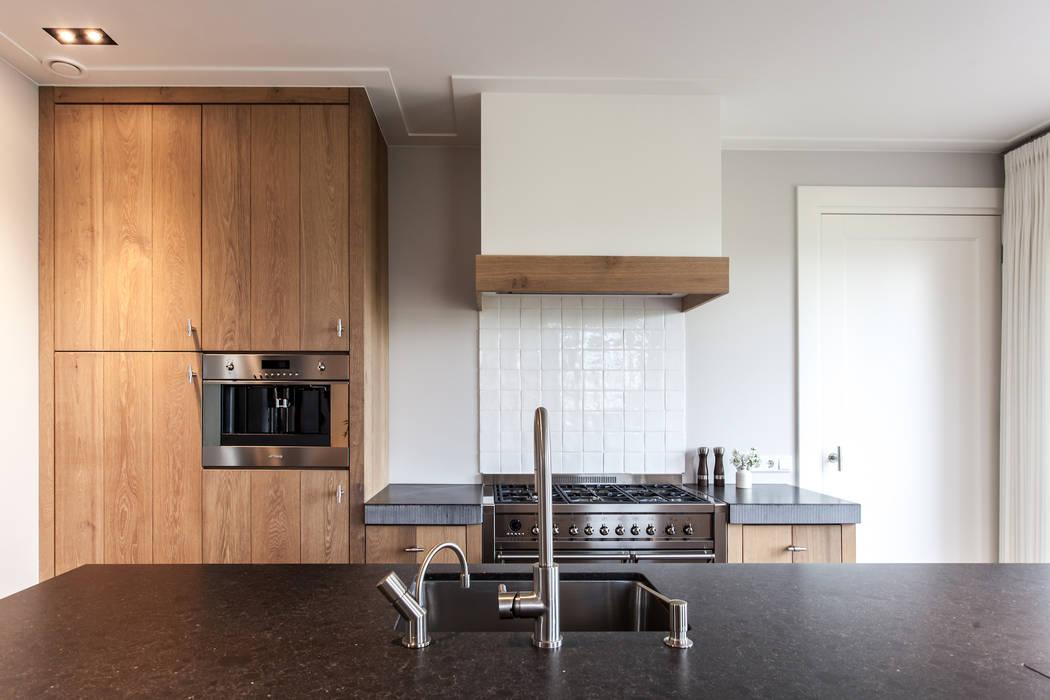 Keuken: modern  door Bob Romijnders Architectuur & Interieur, Modern