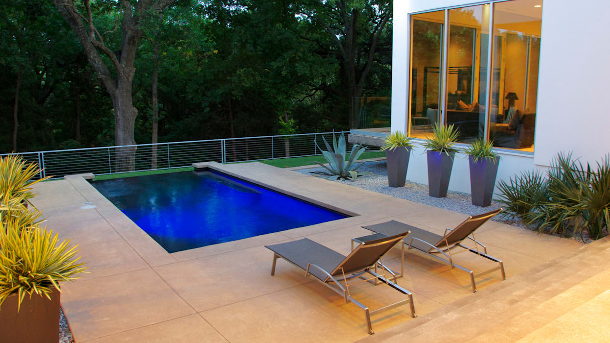 ミニマルスタイルの プール の Matthew Murrey Design ミニマル