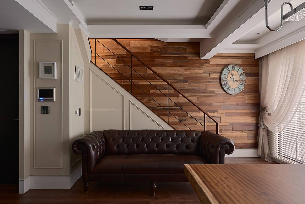 北歐摩登樓中樓輕混搭:  走廊 & 玄關 by AIRS 艾兒斯國際室內裝修有限公司