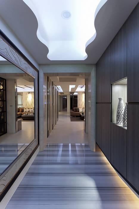 玄關:  走廊 & 玄關 by Green Leaf Interior青葉室內設計