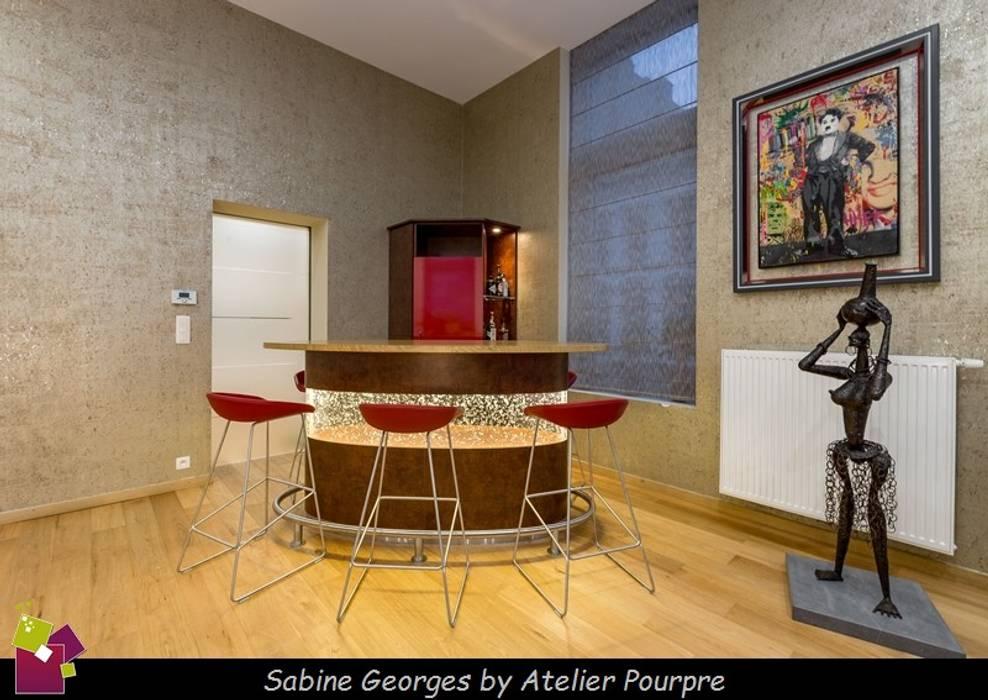 Conception Comptoir Bar Rétro éclairé: Salle à Manger De Style Par Atelier  Pourpre Design