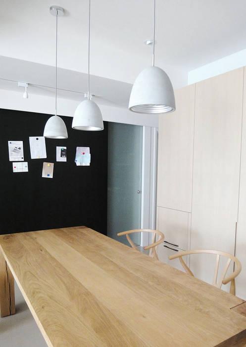 Comedores modernos de AIRS 艾兒斯國際室內裝修有限公司 Moderno