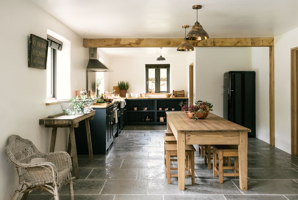 The Leicestershire Kitchen in the Woods by deVOL deVOL Kitchens Cocinas de estilo rural Azul