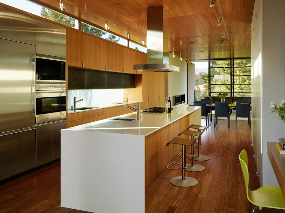 Stanford Residence:  Kitchen by Aidlin Darling Design