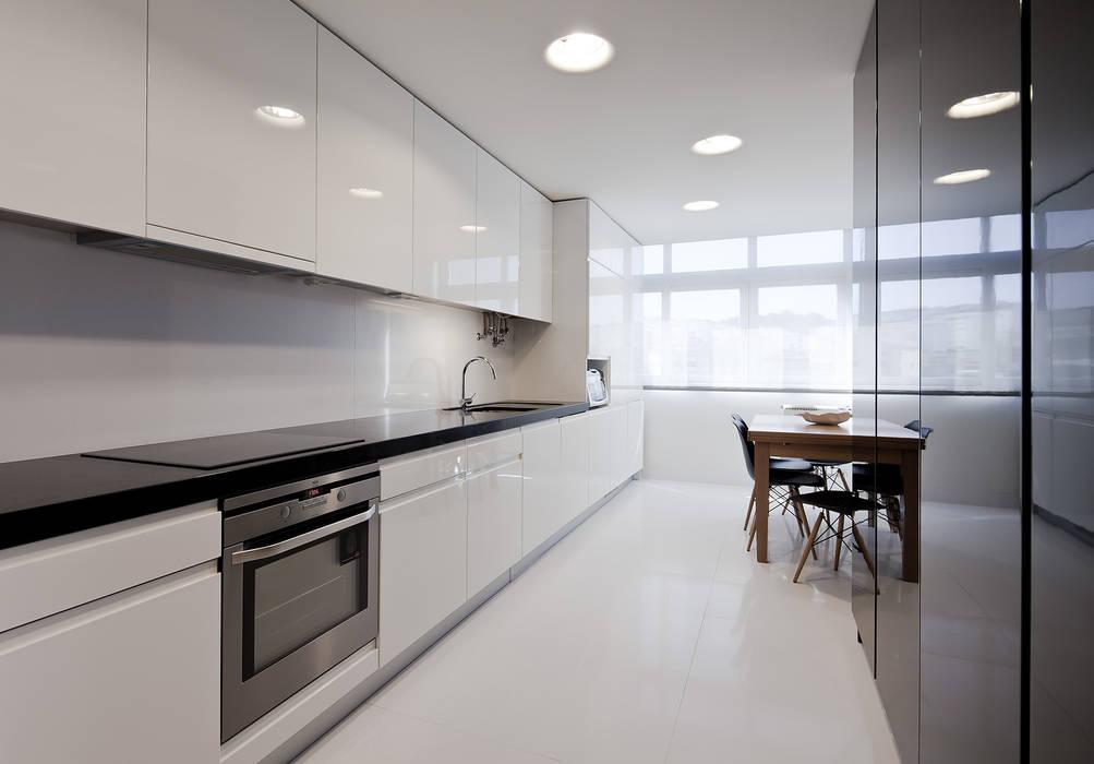 Minimalist kitchen by FMO ARCHITECTURE Minimalist