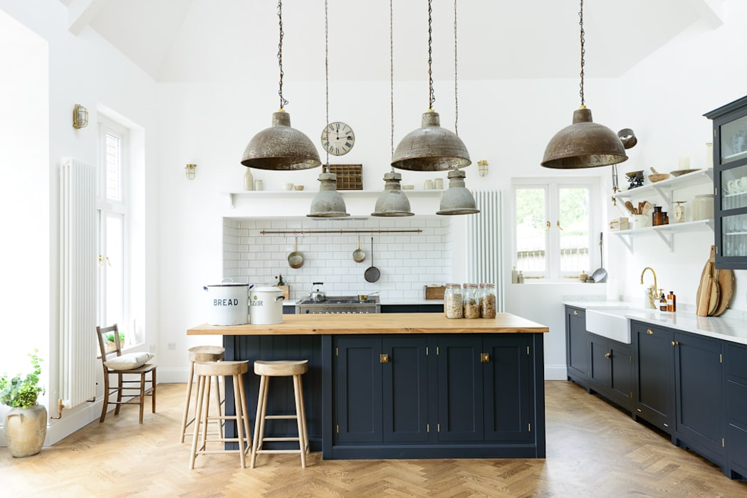 The Arts and Crafts Kent Kitchen by deVOL Industrial style kitchen by deVOL Kitchens Industrial