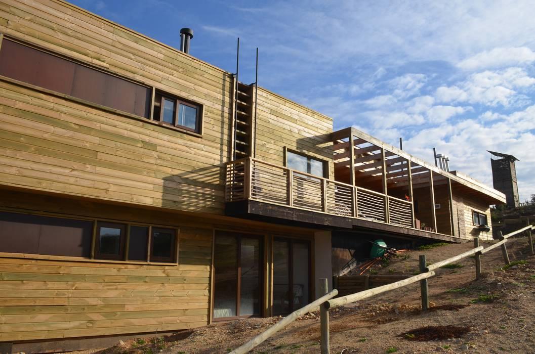 CASA TUNQUEN Casas de estilo mediterráneo de BLAC arquitectos Mediterráneo Madera Acabado en madera