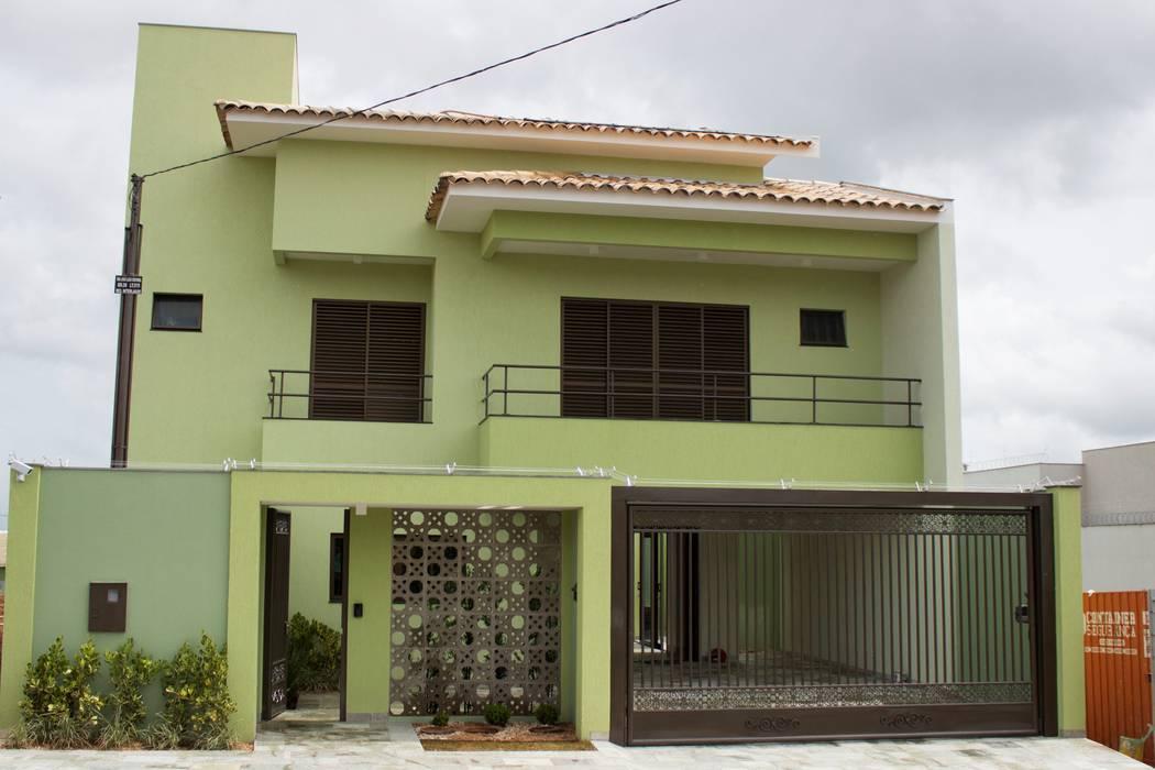 Nhà để xe/nhà kho phong cách tối giản bởi Pz arquitetura e engenharia Tối giản