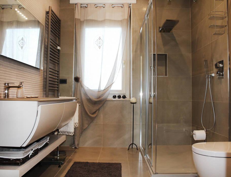 Collegno Apartment Bagno moderno di Studio 06 Moderno
