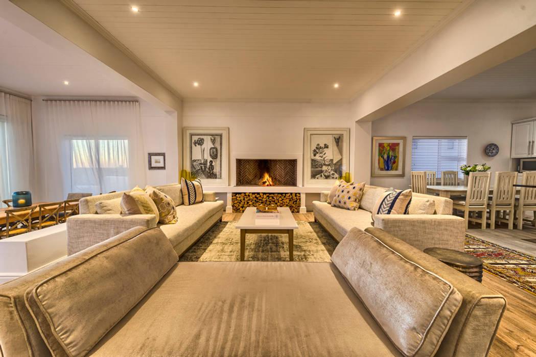 Livings de estilo ecléctico de House Couture Interior Design Studio Ecléctico