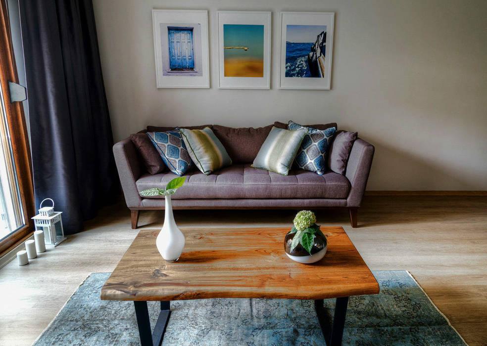 Ruang Keluarga oleh Mandalin Dizayn, Minimalis