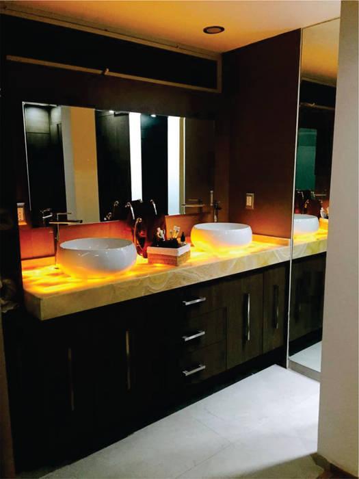 Bathroom by Arqca,