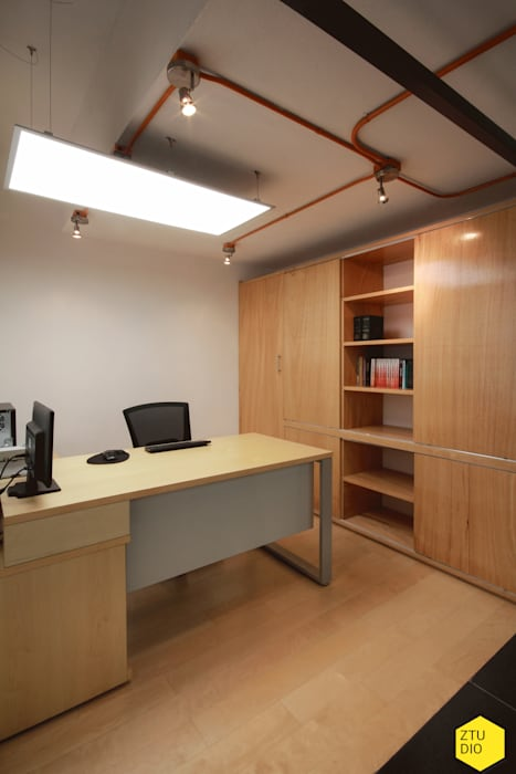 Módulo privado Abogados.: Estudios y oficinas de estilo minimalista por ZTUDIO-ARQUITECTURA