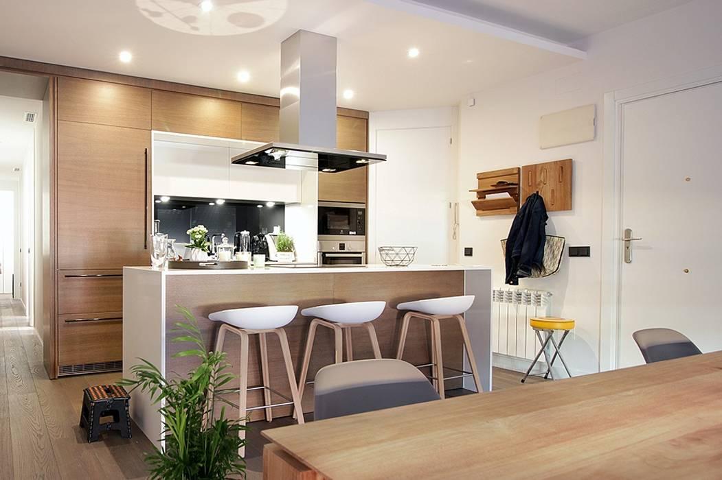 Cocina abierta al sal n cocinas de estilo de l nea 3 for Cocina de planta abierta sala de estar