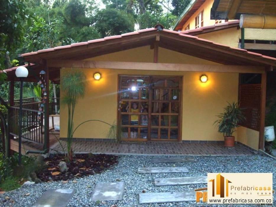 Casas prefabricadas Cali Casas de estilo rústico de PREFABRICASA Rústico