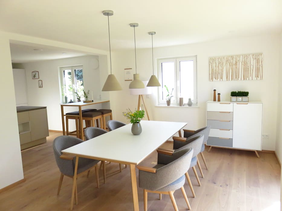 Modern dining room by homify Modern