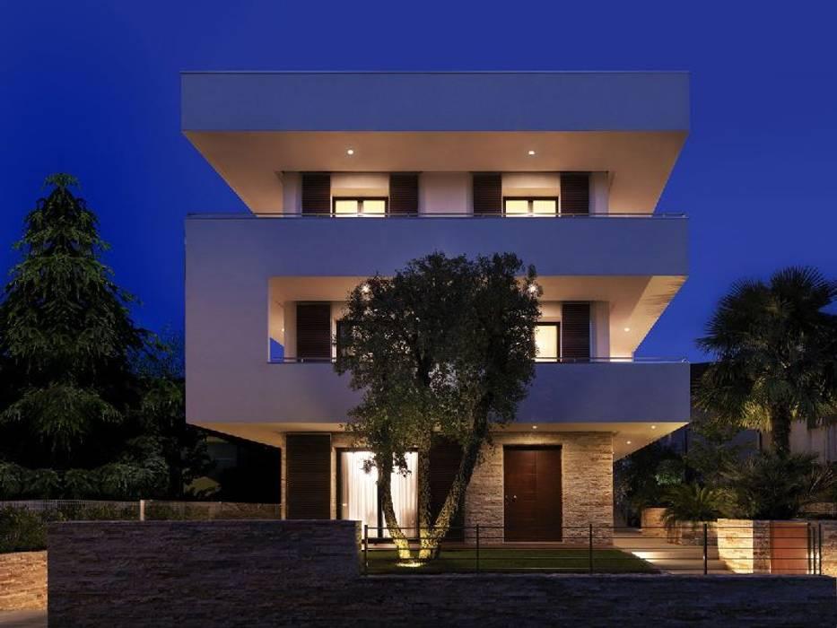 Modern House Designs:  Houses by Ndiweni Architecture