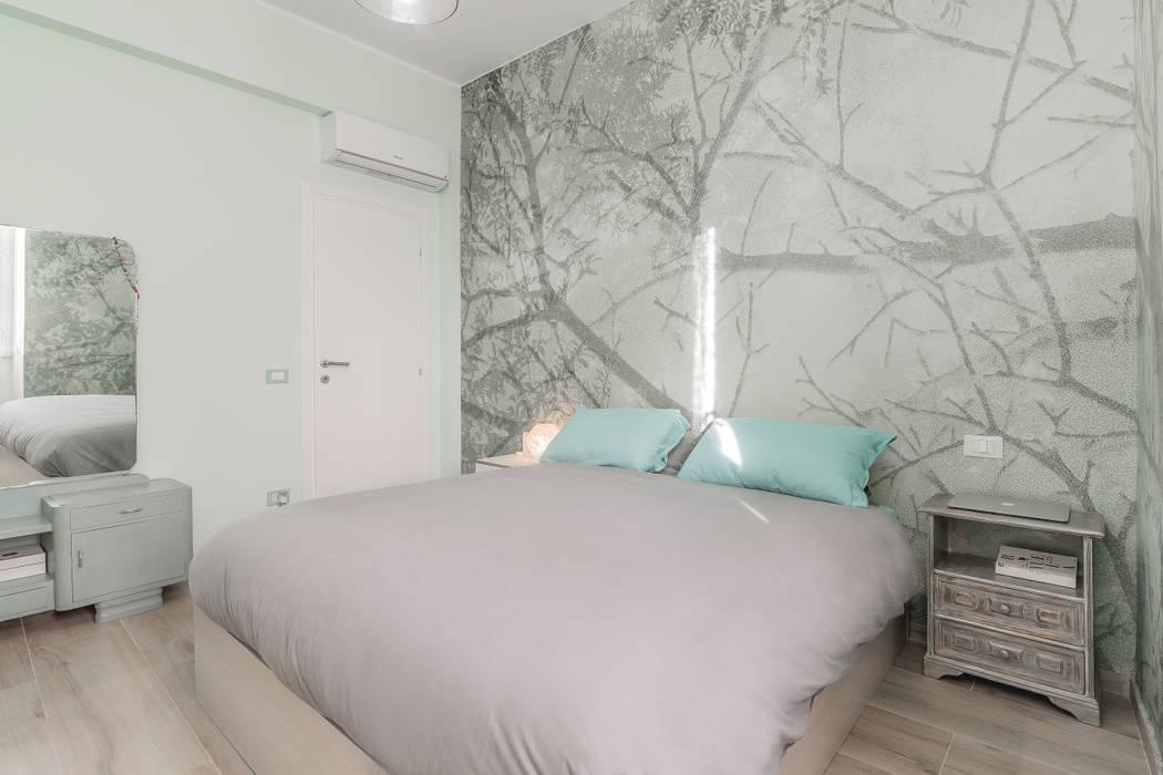 Camera Da Letto Shabby Chic : Camera da letto shabby chic: camera da letto in stile di facile