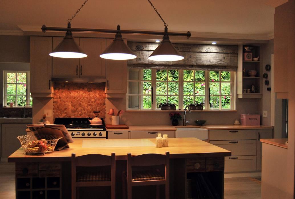 Capital Kitchens ccが手掛けたキッチン, カントリー 木 木目調