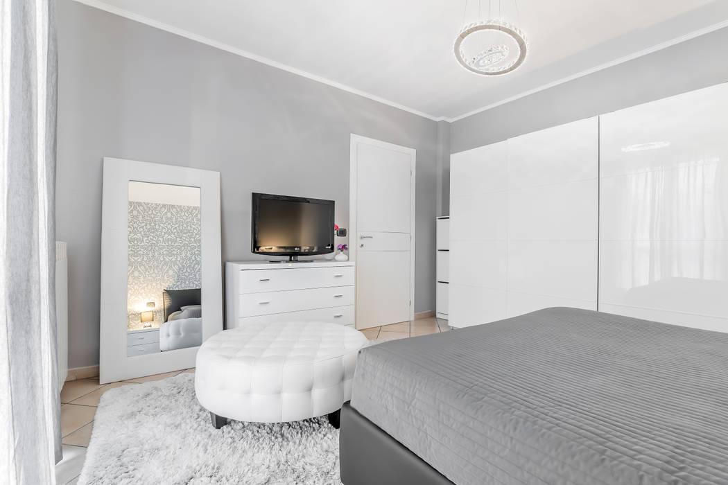 Camera da letto: camera da letto in stile di facile ristrutturare ...