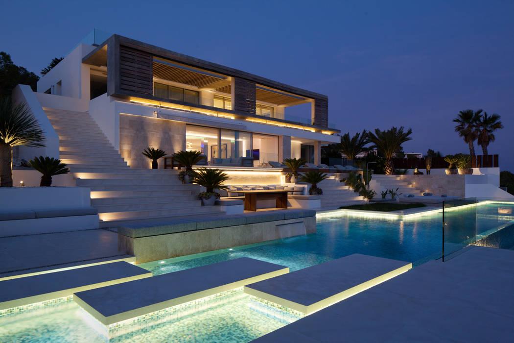 Roca Llisa:  Houses by ARRCC,