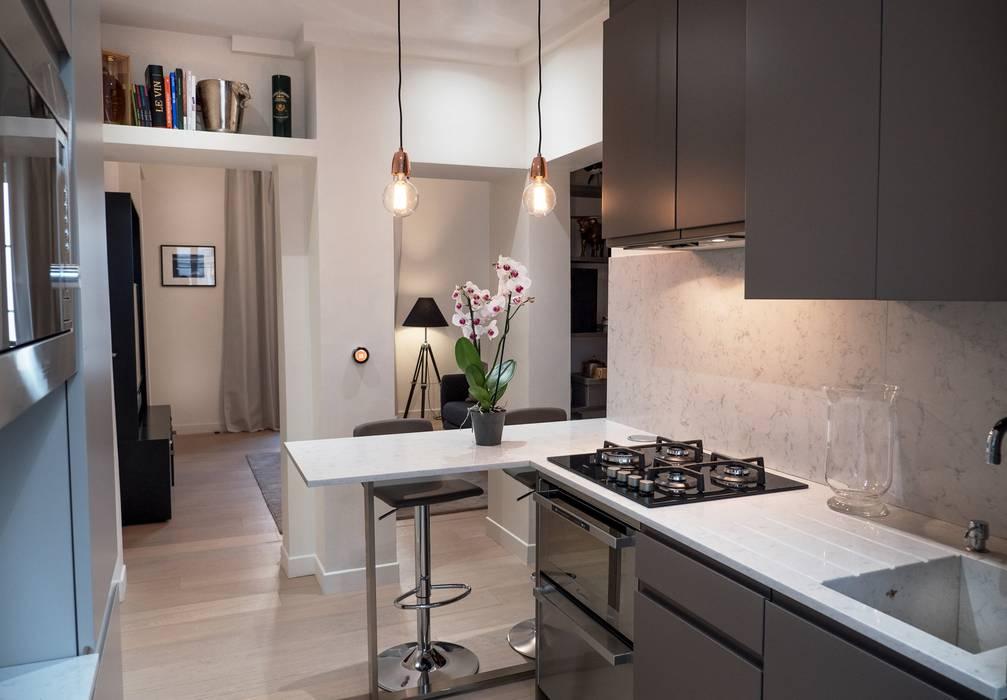 Cuisine moderne: Cuisine de style de style Moderne par Xavier Lemoine Architecture d'Intérieur