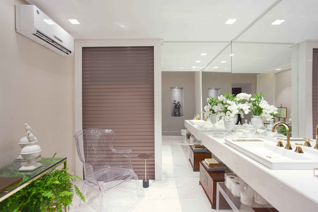 Bathroom by Ju Nejaim Arquitetura