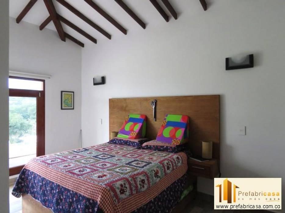 Phòng ngủ by PREFABRICASA