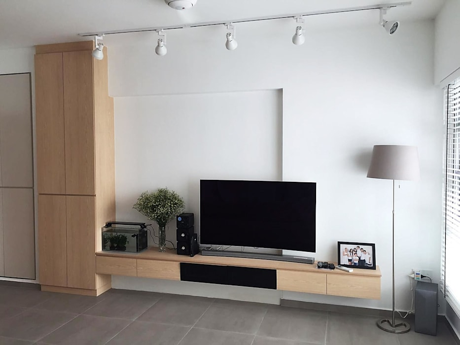 TV feature wall with full height cabinet:  Living room by Singapore Carpentry Pte Ltd,Scandinavian