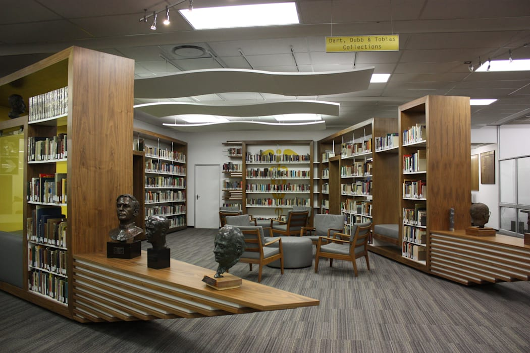 WITS HEALTH SCIENCES LIBRARY RECEPTION: modern  by AOJ | Architecture & Interiors, Modern