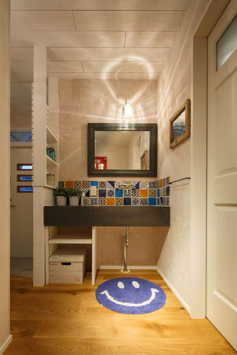 Eclectic style bathroom by dwarf Eclectic