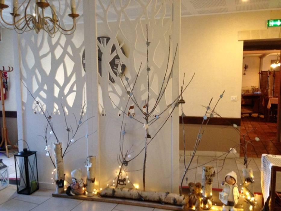 Crèhe de Noël avec nos claustras: Restaurants de style  par Allure et Bois