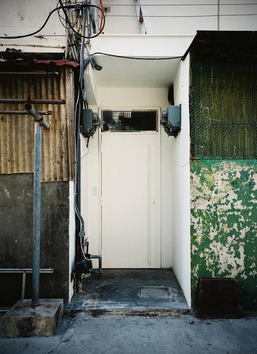 Entrance Modern houses by 鄭士傑室內設計 Modern