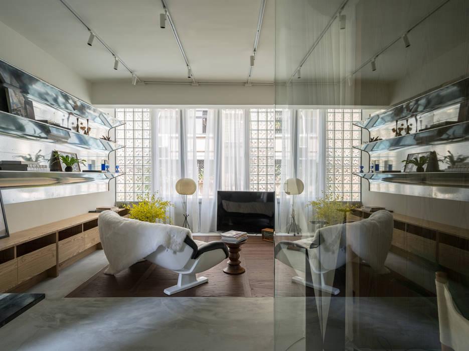 Living Room:  客廳 by 鄭士傑室內設計