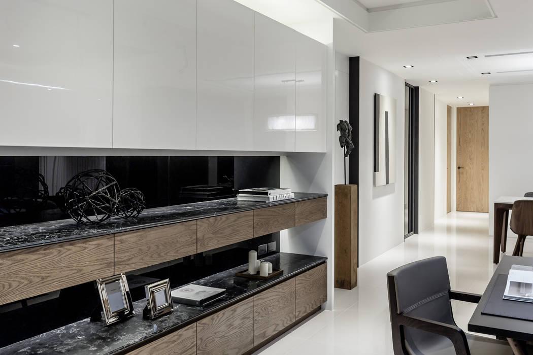Ruang Studi/Kantor Modern Oleh 双設計建築室內總研所 Modern