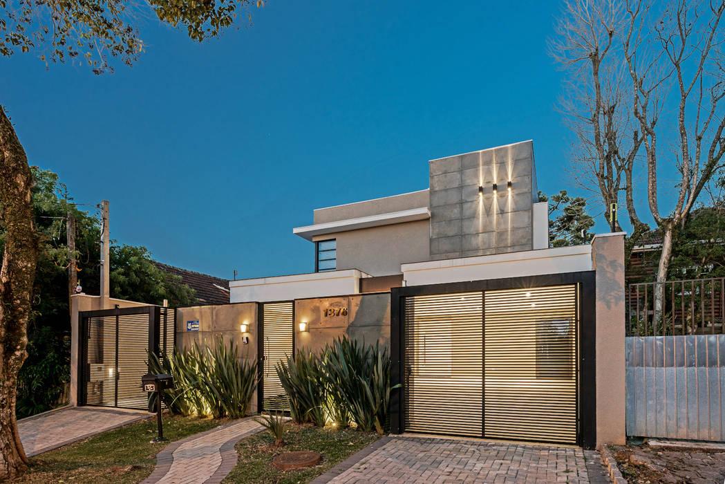Rumah Modern Oleh TRÍADE ARQUITETURA Modern
