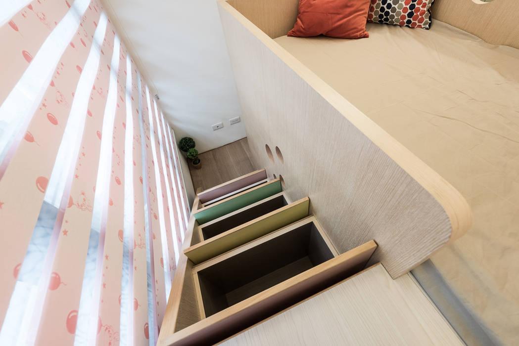 收納機能:  臥室 by 你你空間設計