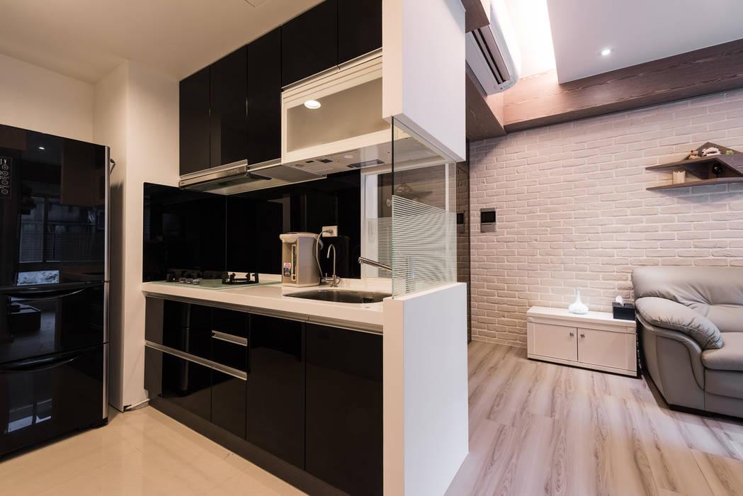 廚房 現代廚房設計點子、靈感&圖片 根據 你你空間設計 現代風