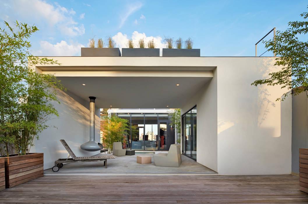 SA-DA Architecture Balkon, Beranda & Teras Modern